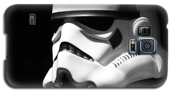Galaxy S5 Case featuring the photograph Stormtrooper by Chris Thomas