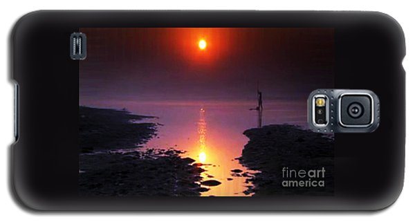 Sunset At Ganga River In The Planes Of Provinces Galaxy S5 Case by Navin Joshi