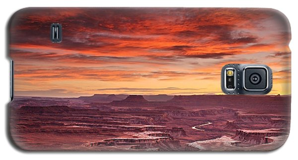Sunset At The Green River Overlook Galaxy S5 Case by Roman Kurywczak