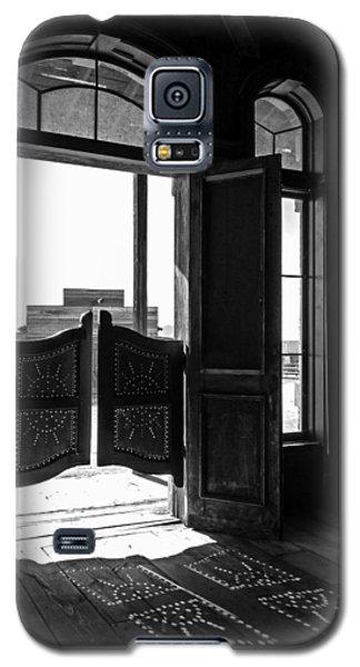 Swinging Doors Galaxy S5 Case