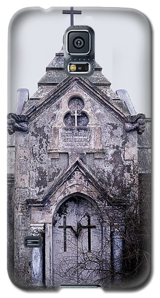 Galaxy S5 Case featuring the photograph The Italian Vault by Terry Webb Harshman