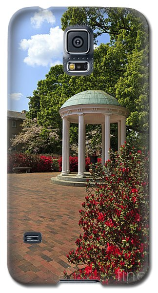 The Old Well At Chapel Hill Galaxy S5 Case
