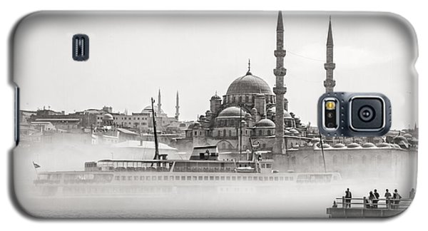 The Yeni Mosque In Fog Galaxy S5 Case