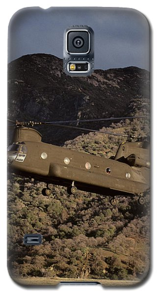 Helicopter Galaxy S5 Case - Usa, California, Chinook Search by Gerry Reynolds