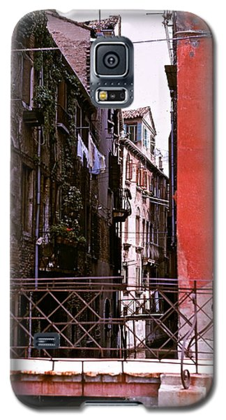 Galaxy S5 Case featuring the photograph Venice by Ira Shander