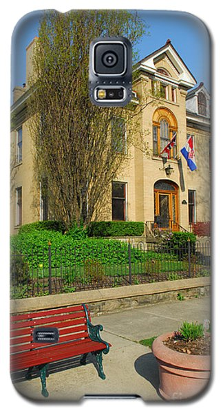 D47l-14 Victorian Village Photo Galaxy S5 Case