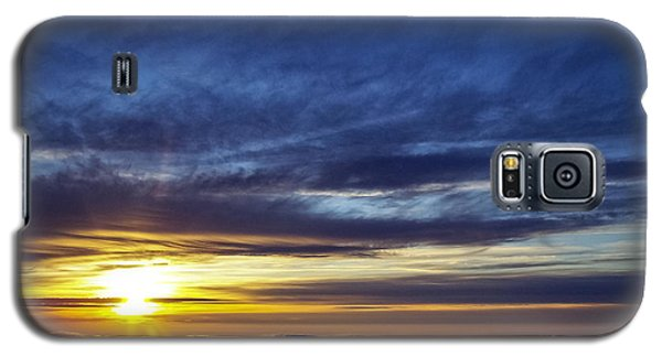 Galaxy S5 Case featuring the photograph Winter Dawn Over New England by Greg Reed