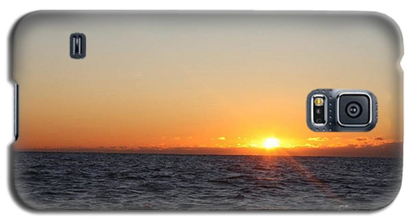 Winter Sunrise Over The Ocean Galaxy S5 Case by John Telfer