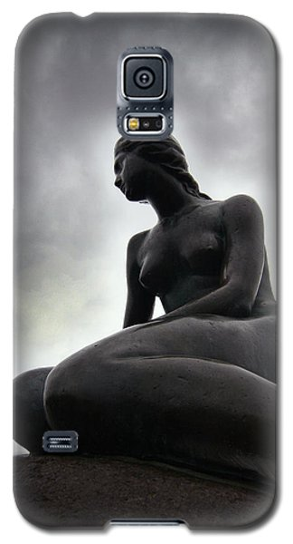 Woman Standing Strong Galaxy S5 Case