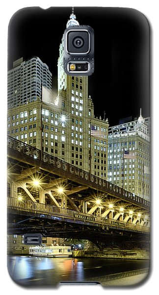 Galaxy S5 Case featuring the photograph Wrigley Building At Night by Sebastian Musial