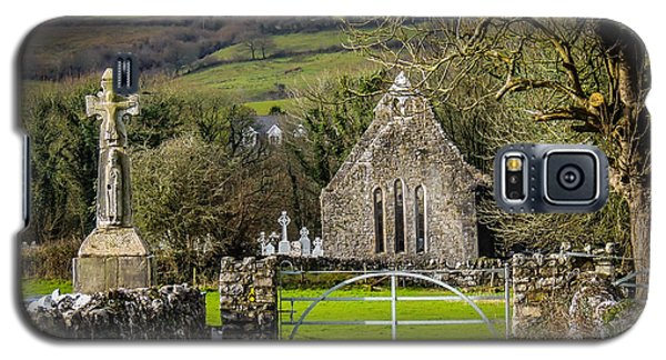 12th Century Cross And Church In Ireland Galaxy S5 Case