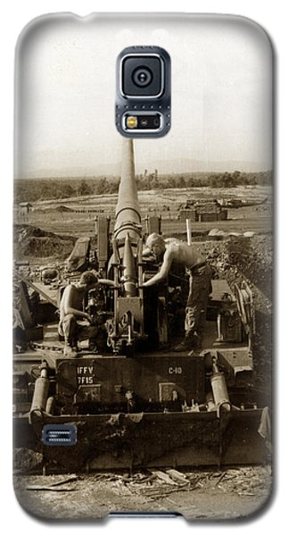175mm Self Propelled Gun C 10 7-15th Field Artillery Vietnam 1968 Galaxy S5 Case by California Views Mr Pat Hathaway Archives