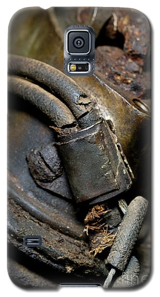 1913 Michaelson Ohv Twin Motorcycle Engine Galaxy S5 Case by Wilma  Birdwell