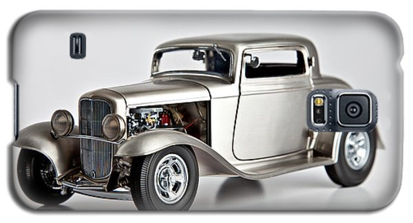 Galaxy S5 Case featuring the photograph 1932 Ford 3 Window Coupe by Gianfranco Weiss