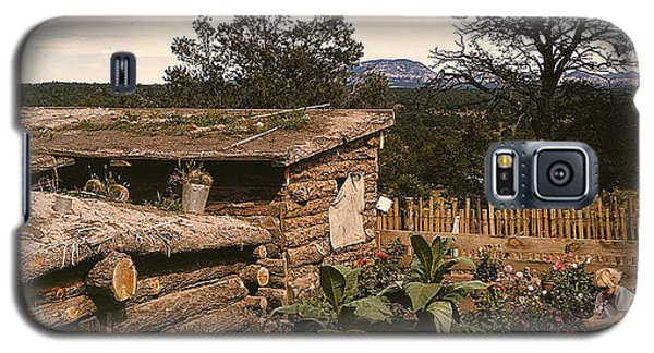 Galaxy S5 Case featuring the photograph 1940 Dugout Homestead New Mexico by Merton Allen