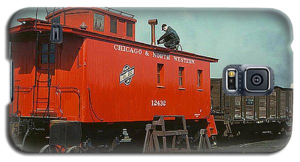 Galaxy S5 Case featuring the photograph 1943 A Railroad Caboose by Merton Allen