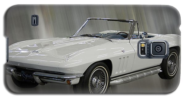 Galaxy S5 Case featuring the photograph 1965 Chevy Corvette by B Wayne Mullins