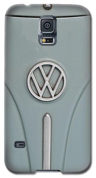 1965 Volkswagen Beetle Hood Emblem Galaxy S5 Case by Jani Freimann