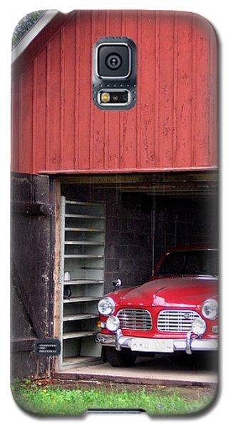 1967 Volvo In Red Sweden Barn Galaxy S5 Case