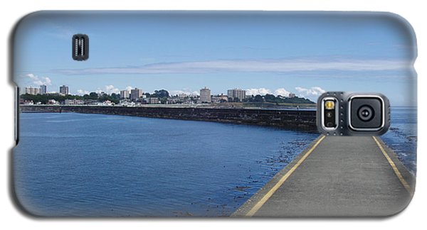 Galaxy S5 Case featuring the photograph Along The Breakwater by Marilyn Wilson