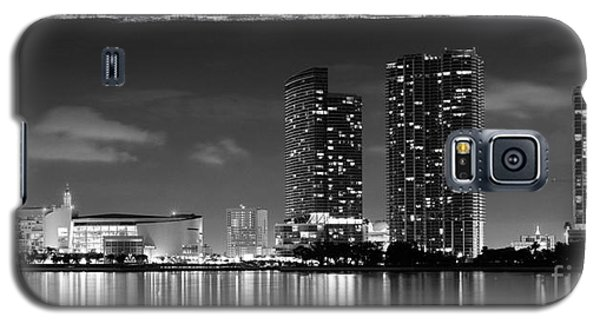American Airlines Arena And Condominiums Galaxy S5 Case by Carsten Reisinger