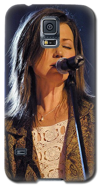 Galaxy S5 Case featuring the photograph Amy Grant by Don Olea