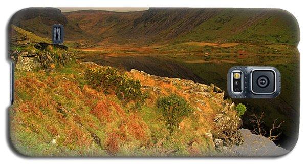 Annascaul Lake Galaxy S5 Case by Barbara Walsh