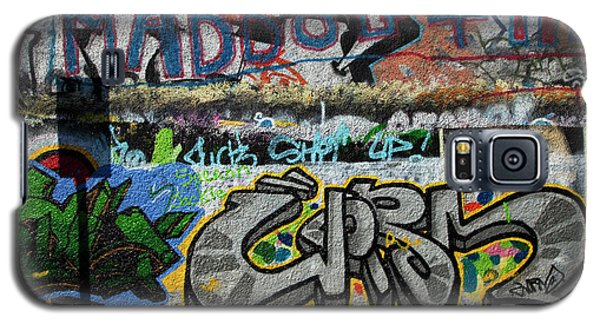 Artistic Graffiti On The U2 Wall Galaxy S5 Case by Panoramic Images