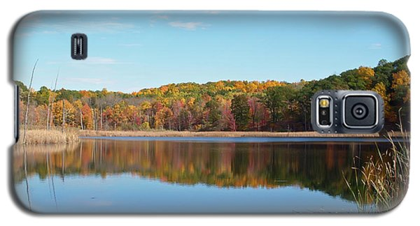 Galaxy S5 Case featuring the photograph Autumn Pond by Aimee L Maher Photography and Art Visit ALMGallerydotcom