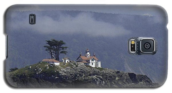 Galaxy S5 Case featuring the photograph Battery Point Lighthouse by Betty Depee