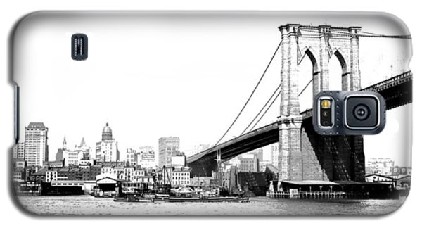 Galaxy S5 Case featuring the photograph Black And White Abstract City Photography...brooklyn Bridge by Amy Giacomelli
