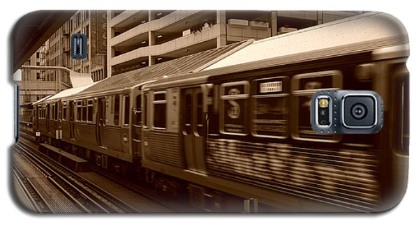 Galaxy S5 Case featuring the photograph Chicago Cta by Miguel Winterpacht