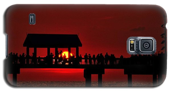 Galaxy S5 Case featuring the photograph Crimson Sunset by Richard Zentner