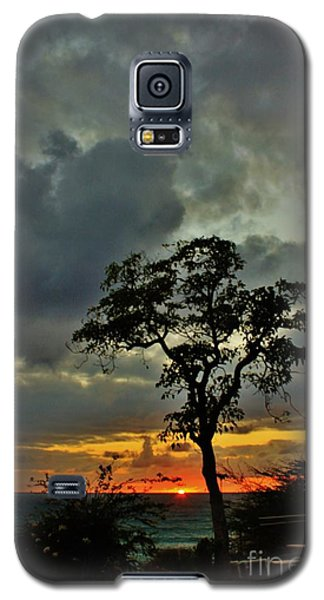Galaxy S5 Case featuring the photograph Day's End by Craig Wood