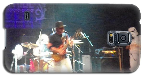 Galaxy S5 Case featuring the photograph Devon Allman And The Honeytribe by Kelly Awad