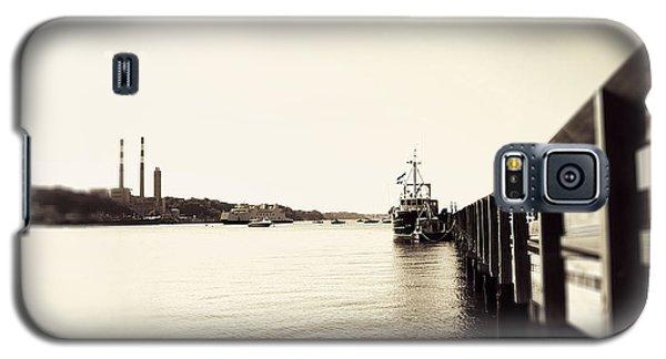 Dock At Port Jeff Harbor Galaxy S5 Case by Paul Cammarata