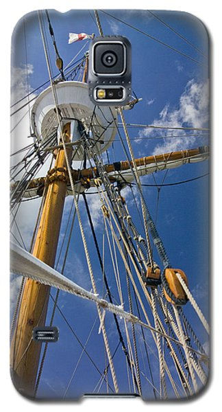 Galaxy S5 Case featuring the photograph Elizabeth II Mast Rigging by Greg Reed