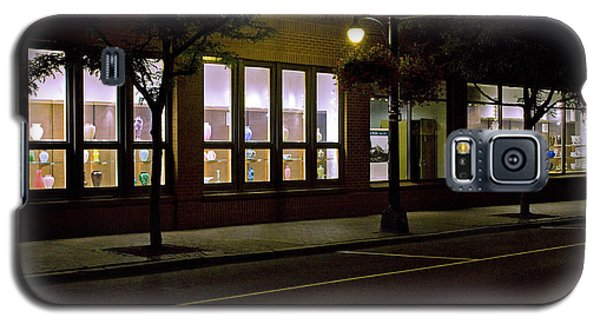 Galaxy S5 Case featuring the photograph Frederick Carter Storefront 2 by Tom Doud