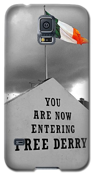 Free Derry Wall 1 Galaxy S5 Case