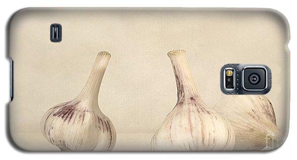Still Life Galaxy S5 Case - Fresh Garlic by Priska Wettstein