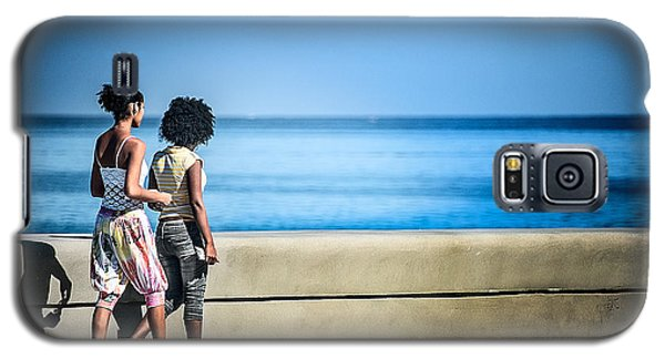 2 Girls On The Malecon Galaxy S5 Case by Patrick Boening