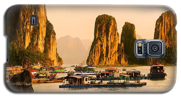 Halong Bay - Vietnam Galaxy S5 Case by Luciano Mortula