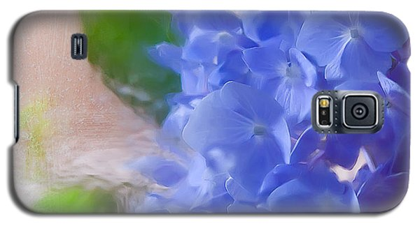 Galaxy S5 Case featuring the photograph Hydrangea by Anna Rumiantseva