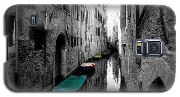 Galaxy S5 Case featuring the photograph L'aqua Magica by Micki Findlay