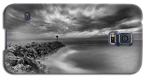 Galaxy S5 Case - Long Exposure Sunset At The Oceanside by Larry Marshall