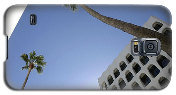 Galaxy S5 Case featuring the photograph Looking Up In Beverly Hills by Cora Wandel