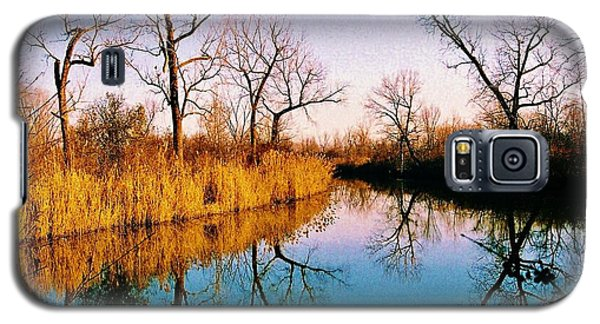 Galaxy S5 Case featuring the photograph November by Daniel Thompson