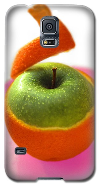Galaxy S5 Case featuring the photograph Oranple by Richard Piper