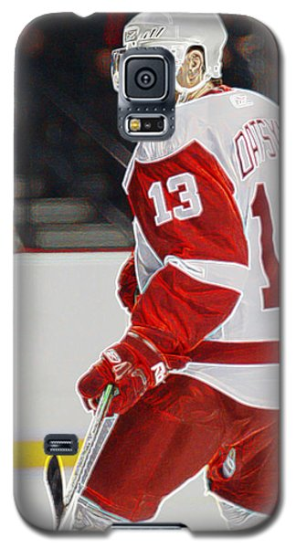 Galaxy S5 Case featuring the photograph Pavel Datsyuk by Don Olea