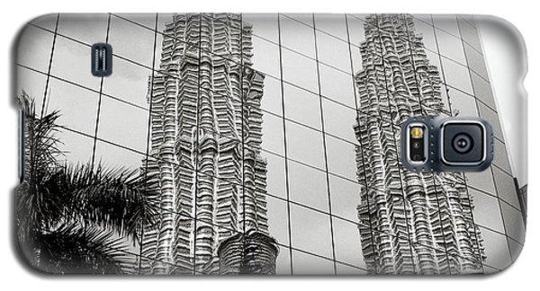 Petronas Towers Reflection Galaxy S5 Case